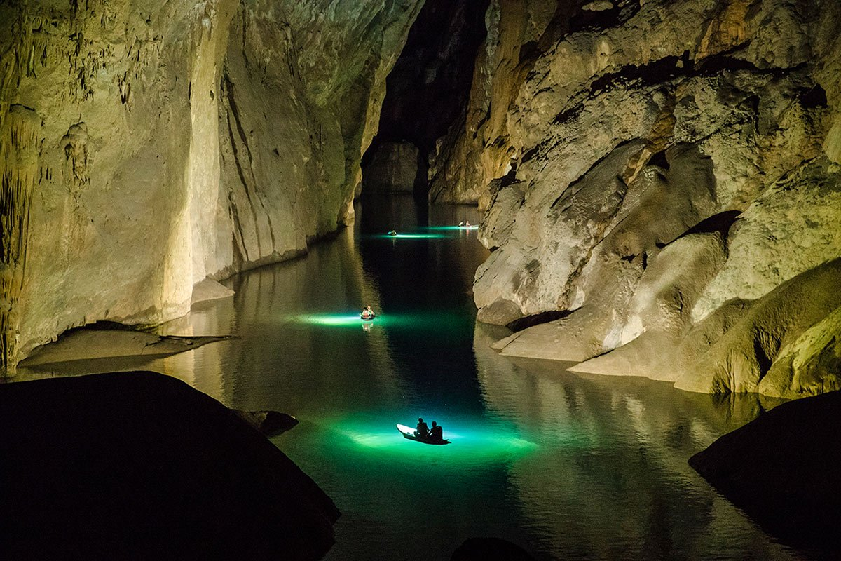 Underground river is a visual treat to the eys and soul of an explorer | Hang Son Doong | The Largest Cave in the World