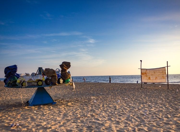 The thiruvanmiyur beach is highly rated because it is unspoiled and is a walkers paradise for morning walks