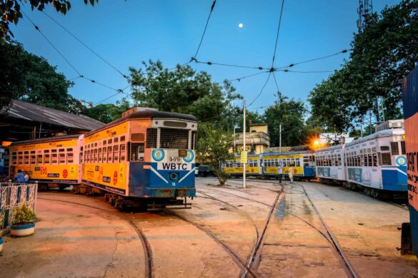 Tales of History #01: Trams and Calcutta-The Love Story! | Travelature